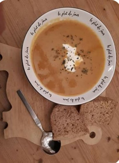 Butternut squash soup with crusty bread
